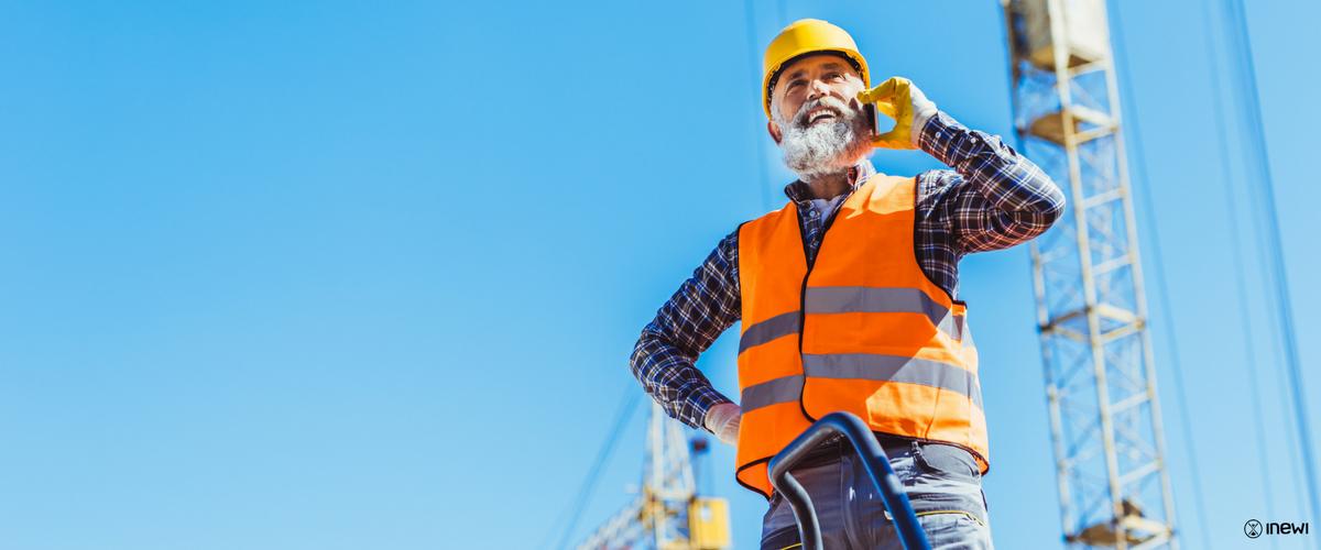 emeryt i rencista może być zatrudniony na podstawie umowy o pracę, umowy zlecenie, umowy o dzieło