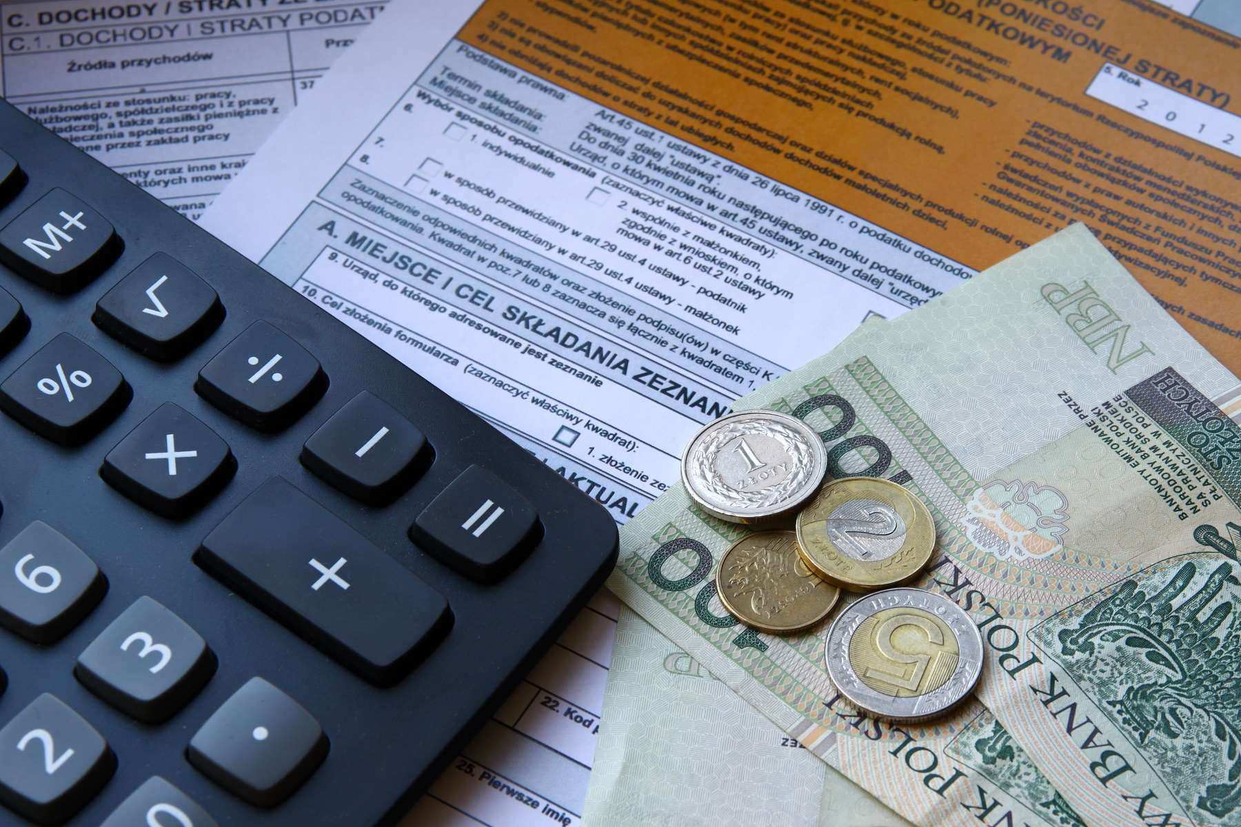 Co powinno zawierać zaświadczenie o zatrudnieniu i zarobkach?