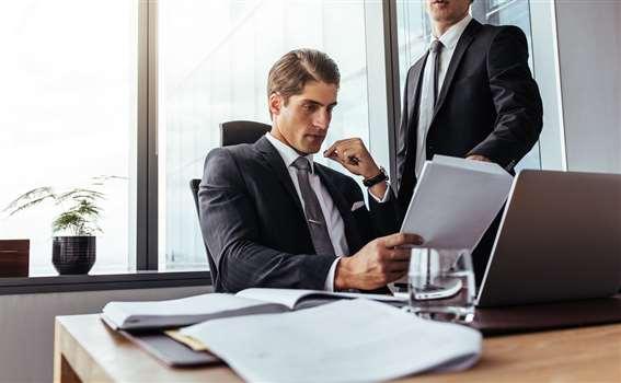 Prokurent – kim jest i za co odpowiada w spółce?