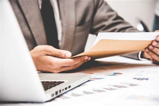 Czym jest raport kasowy? Jak poprawnie wypełnić dokumenty kasowe?
