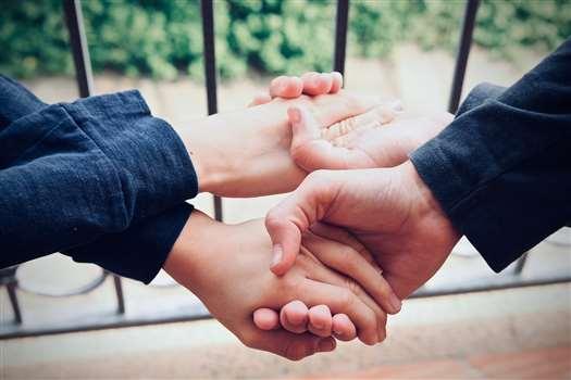 Umowa darowizny – wzór z omówieniem