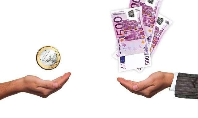 Potrącenia z wynagrodzenia – kiedy i na jakich zasadach może być dokonane?