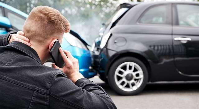 Ubezpieczenie samochodu firmowego – ile kosztuje? Jak je zaksięgować?